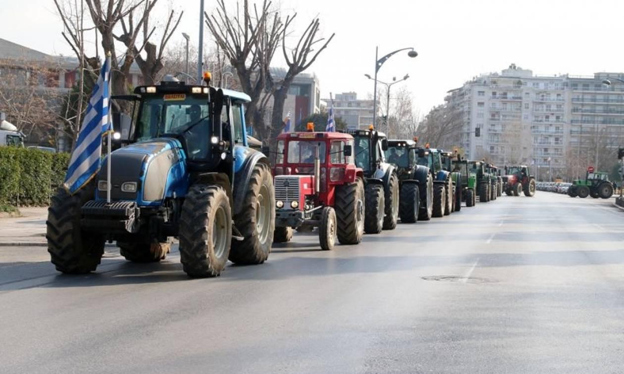 Μπλόκα αγροτών: Τρίωρος αποκλεισμός της Εθνικής Οδού Λάρισας - Κοζάνης