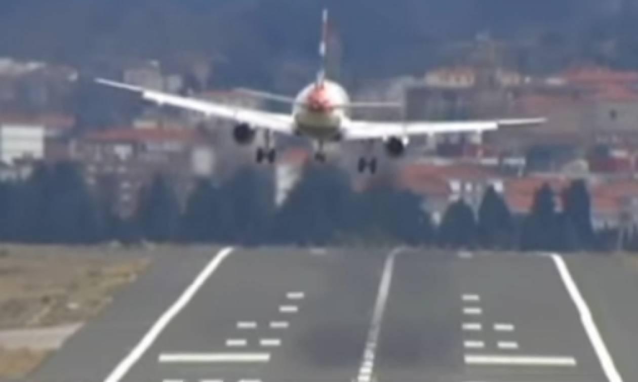 Θρίλερ στον αέρα: Σοκαριστική προσγείωση αεροπλάνου στο Μπιλμπάο (video)