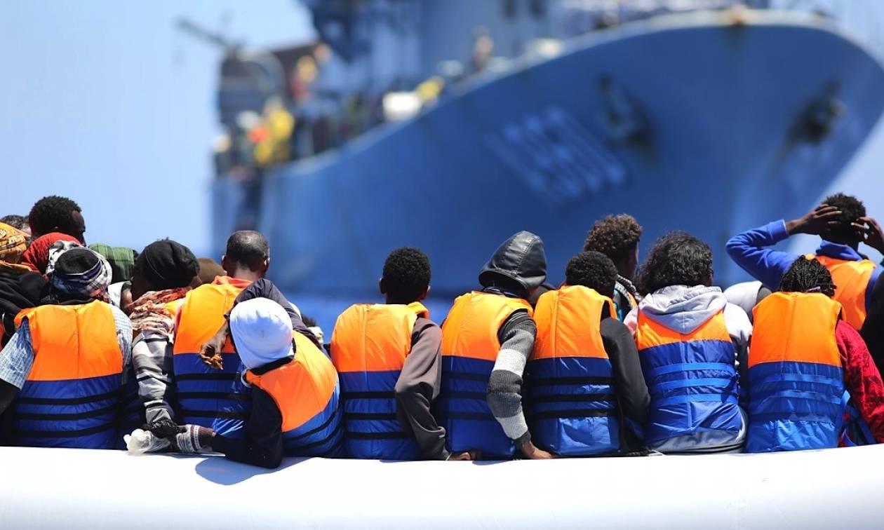 «Μάχες» με διακινητές μεταναστών ανοιχτά της Λιβύης