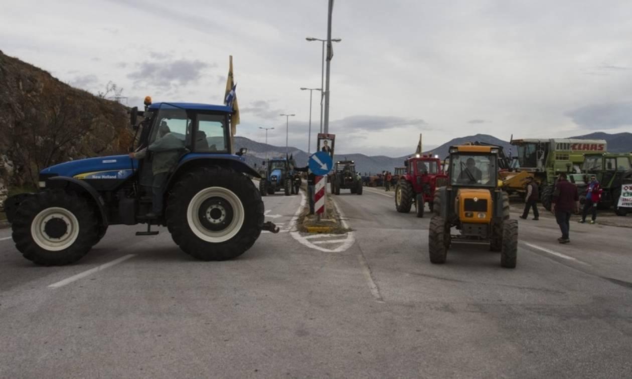 Μπλόκα αγροτών 2017: Κλείνουν και τα Τέμπη - Εντείνουν τις κινητοποιήσεις από βδομάδα
