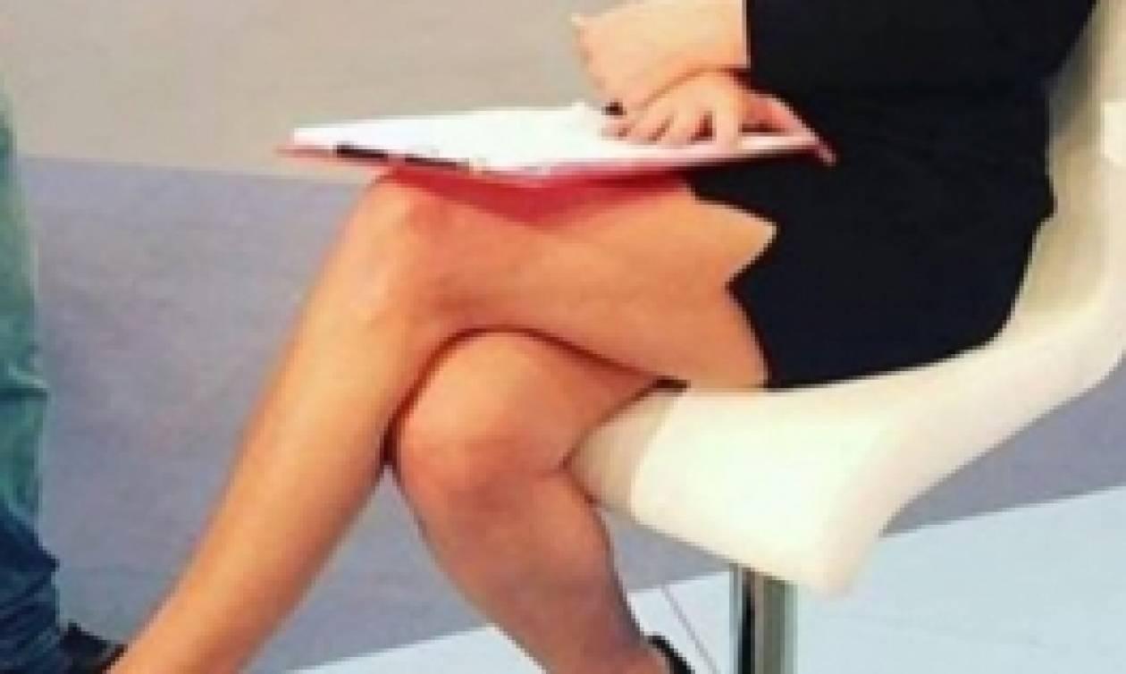 Το «καυτό» σταυροπόδι 55άρας Ελληνίδας παρουσιάστριας. Την αναγνωρίζετε;