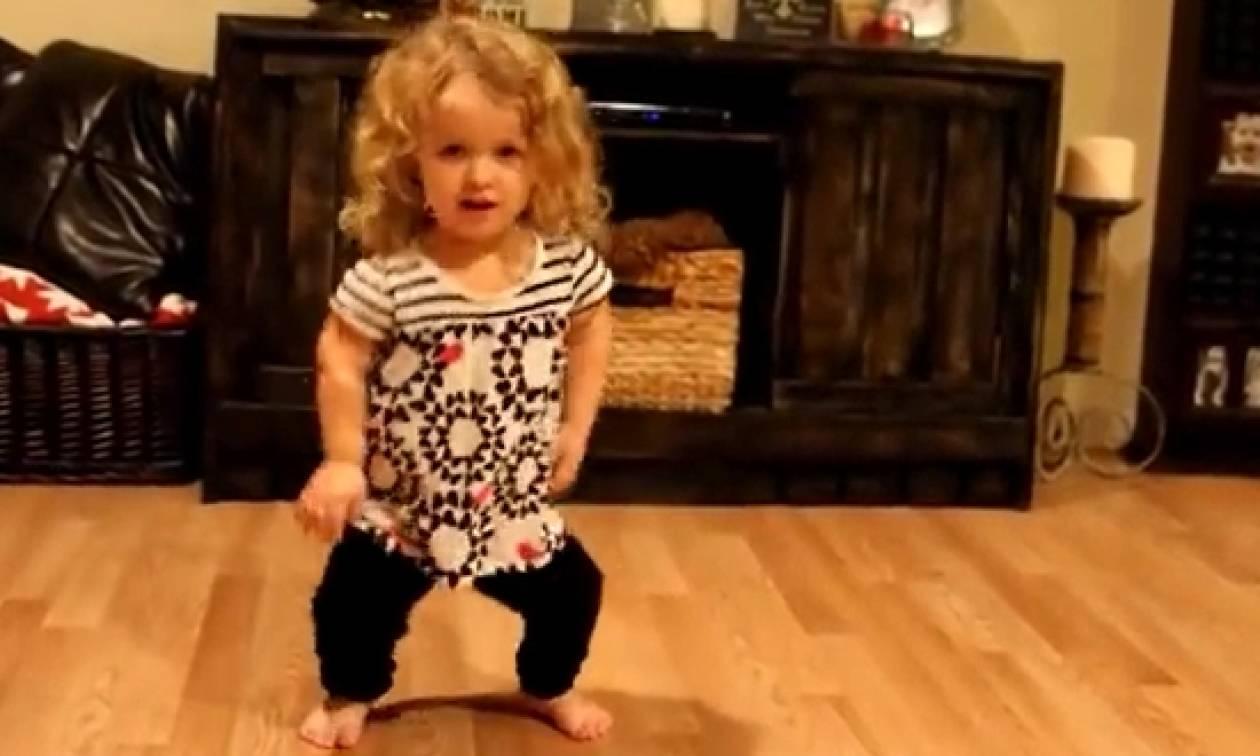 Πεντάχρονη πάσχει από νανισμό, αλλά δεν θα σταματήσει να χορεύει ποτέ. Ο λόγος; Ιερός... (video)