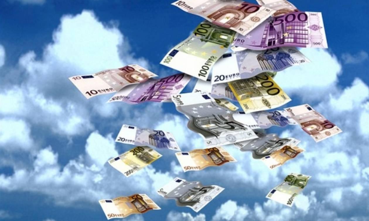 Απίστευτο περιστατικό στα Καμένα Βούρλα – Ακούστηκε έκρηξη κι ο ουρανός... «έβρεξε» 45.000 ευρώ!