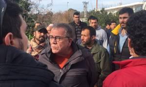 Ένταση κατά την επίσκεψη Μουζάλα στο Ελληνικό (pics&vids)