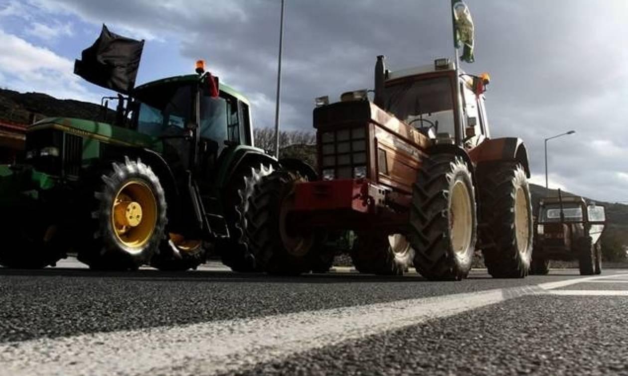 Греческие фермеры продолжают акции протеста повсей стране