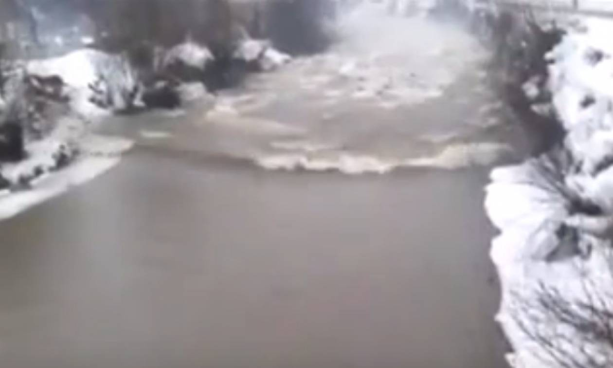 Εχετε δει ποτέ ποταμίσιο τσουνάμι; (Video)
