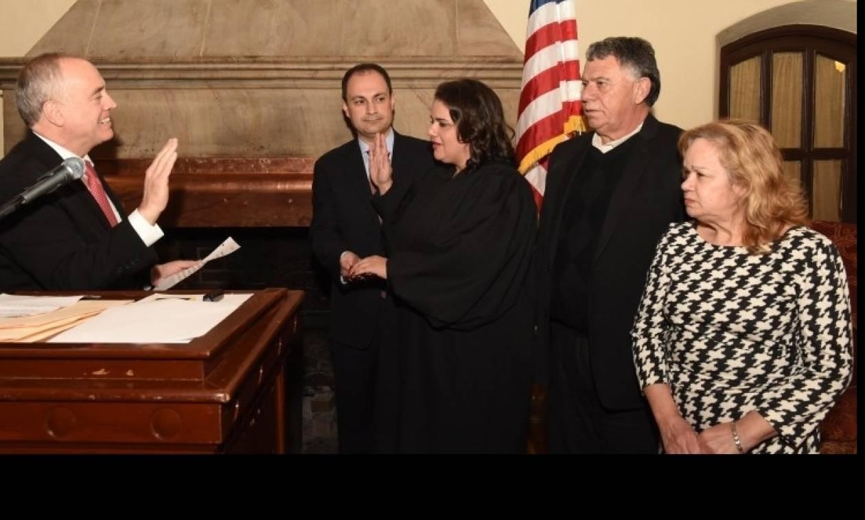 Ορκωμοσία της ομογενούς δικαστού Ελένης Βουτσινά στη Νέα Υόρκη