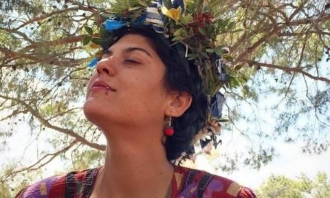 Προκαλεί Τουρκοκύπρια ζωγράφος! Απεικονίζει τον Μακάριο ανάμεσα σε δυο γυμνές γυναίκες