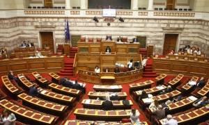 Πανικός στη Βουλή: Κατέρρευσε βουλευτής