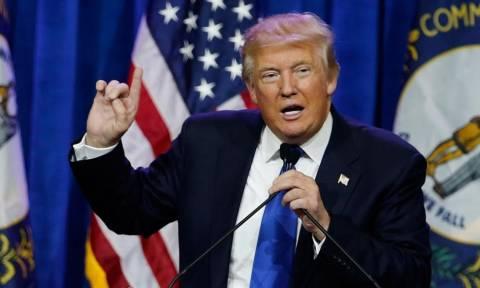 Όντως είναι περίεργος ο Τραμπ… Γιατί ό,τι λέει το κάνει!