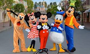 Θες να δουλέψεις στην Disneyland; Έρχεται και στη Θεσσαλονίκη αναζητώντας προσωπικό