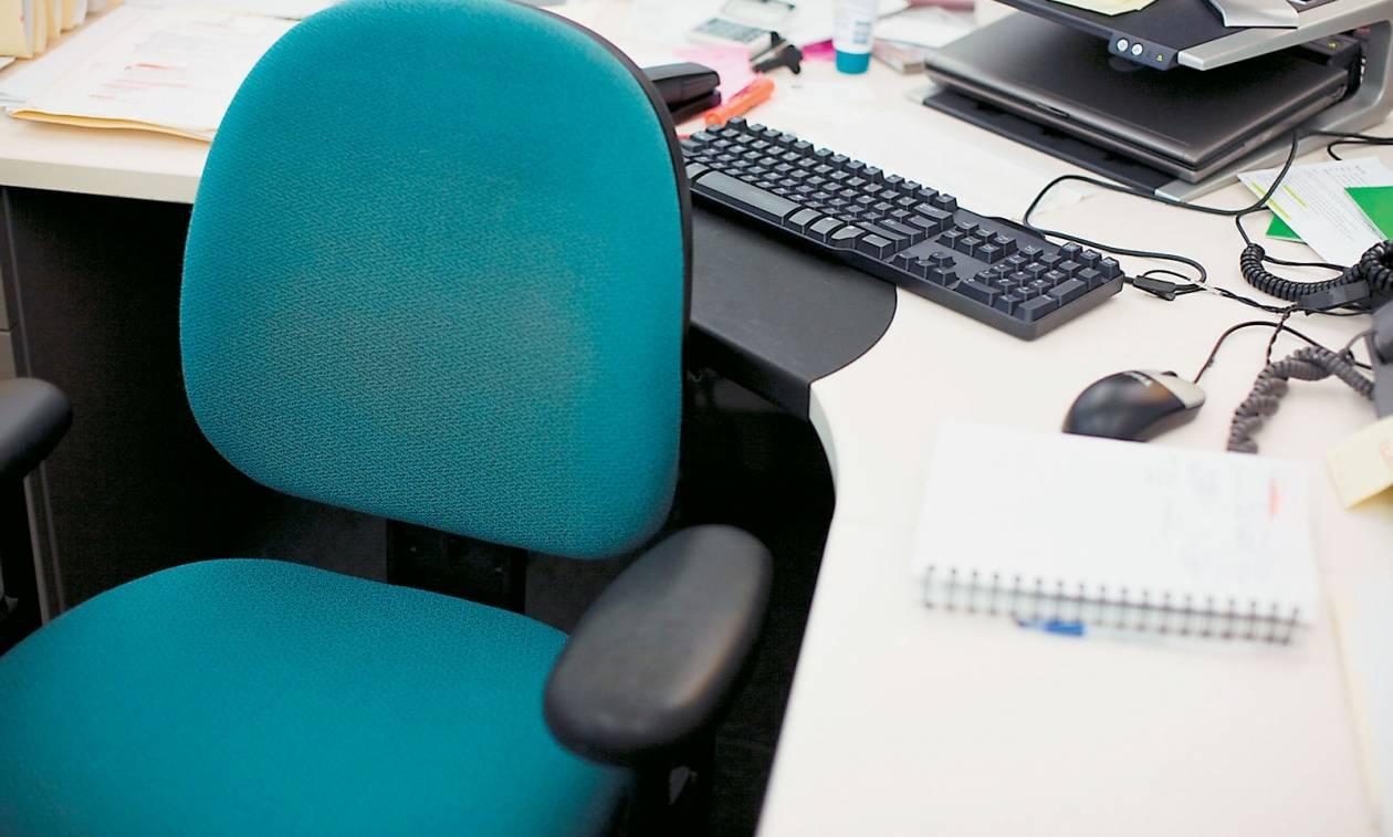 Απίστευτη πρόκληση: Δίνουν αναδρομικά 2 ετών σε εκπαιδευτικούς αποσπασμένους σε βουλευτικά γραφεία