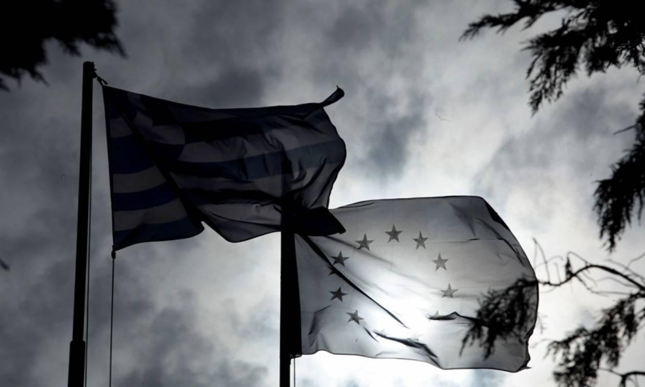 WSJ: Διχασμένη η ελληνική κυβέρνηση για το πώς θα αντιμετωπίσει τους δανειστές