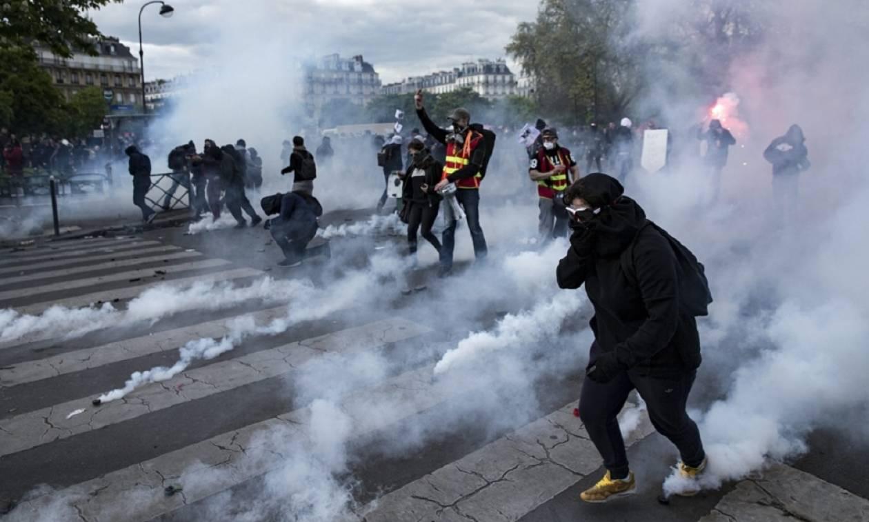 Βίαιες συγκρούσεις στο Παρίσι - «Βροχή» μολότοφ κατά αστυνομικών δυνάμεων