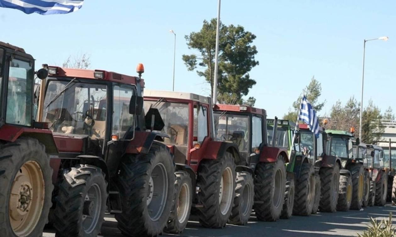 Μπλόκα αγροτών: Απέκλεισαν το αεροδρόμιο «Μακεδονία»