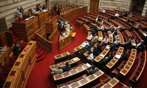 Για φωτογραφικές διατάξεις στο ν/σ του υπουργείου Παιδείας κατηγορεί η ΝΔ την κυβέρνηση