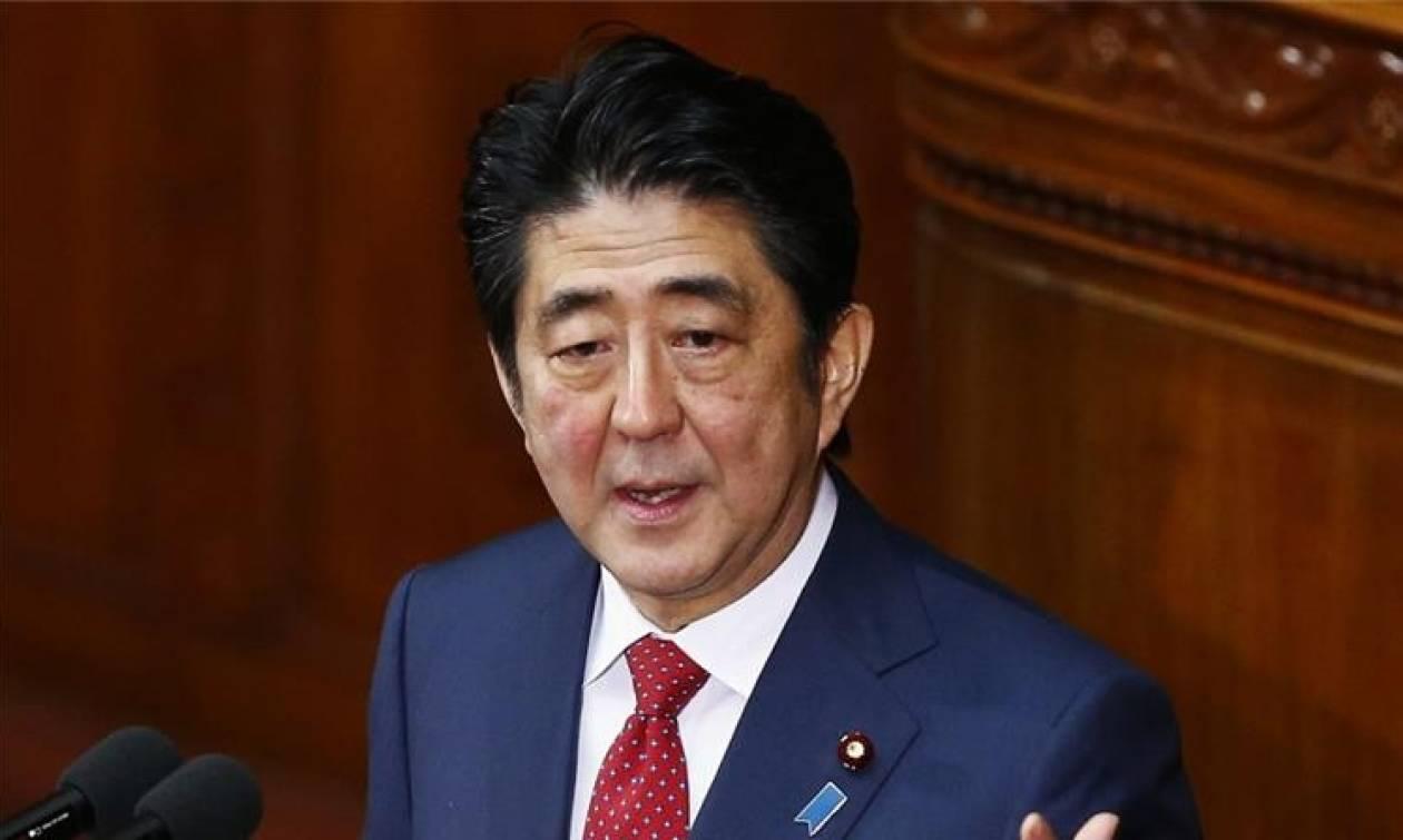 Σαββατοκύριακο στο Μαρ α Λάγκο: Το δώρο του Τραμπ στον πρωθυπουργό της Ιαπωνίας!