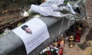 Παντελής Παντελίδης LIVE: Θρήνος και σπαραγμός στο ετήσιο μνημόσυνο (pics+vids)
