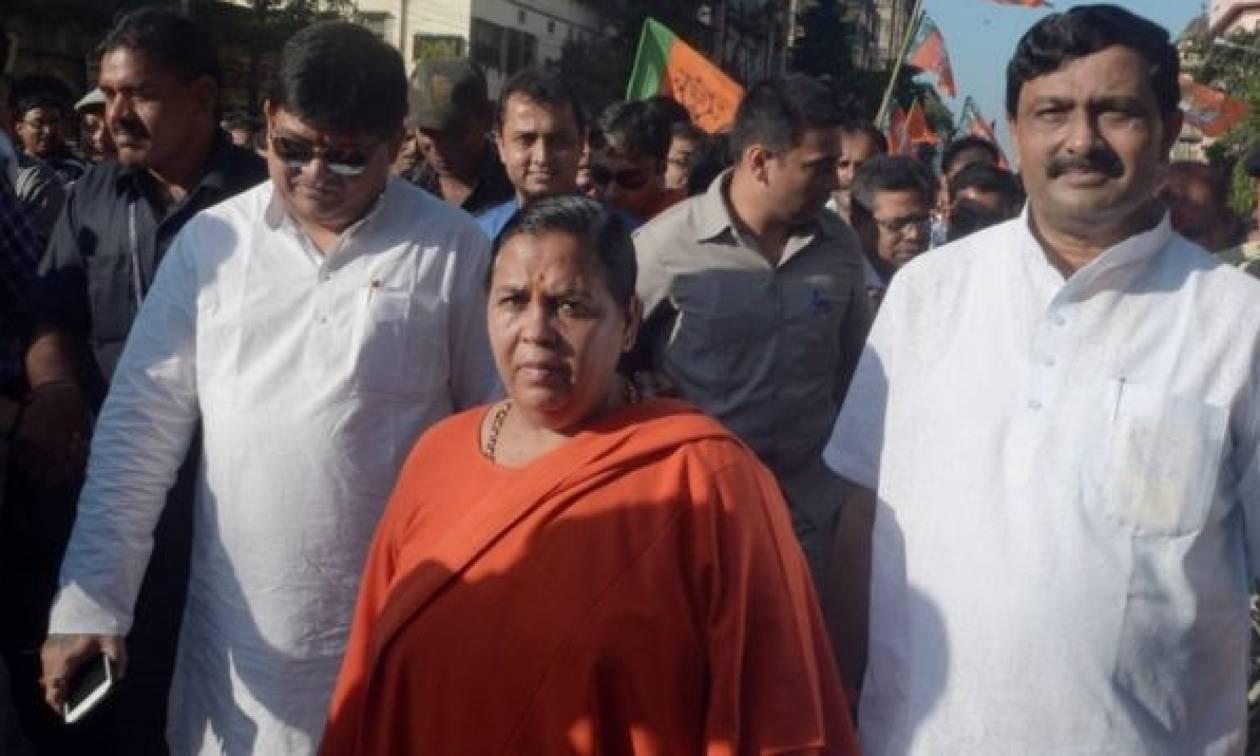 Ινδή υπουργός: Οι βιαστές να κρεμιούνται ανάποδα και να βασανίζονται μέχρι να βγει το δέρμα τους
