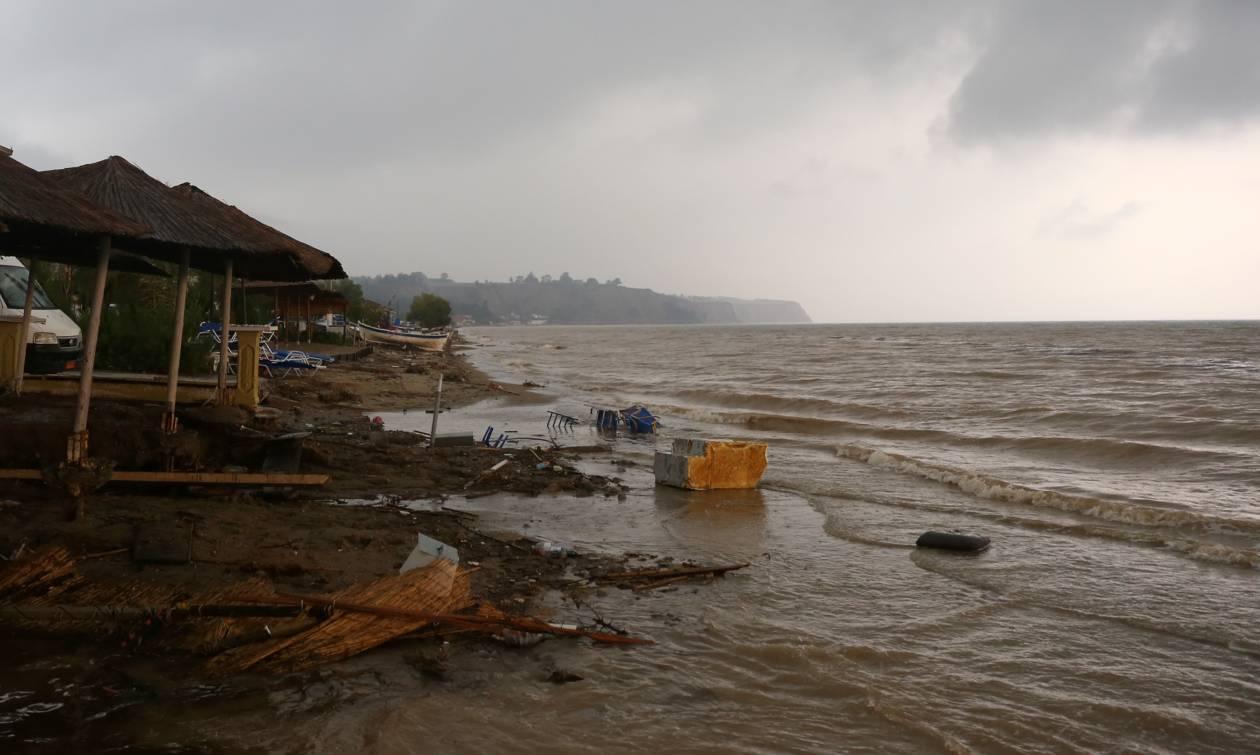 Στο έλεος της κακοκαιρίας η Κρήτη - Πλημμύρισαν δρόμοι και σπίτια (photos)