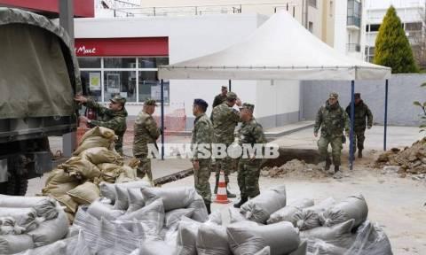 Βόμβα Κορδελιό: Ξεκίνησε η επιχείρηση εκκένωσης της πόλης (vid + pics)