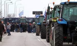 Μπλόκα αγροτών 2017: Δεν υποχωρούν οι αγρότες - Ετοιμάζουν κάθοδο στην Αθήνα