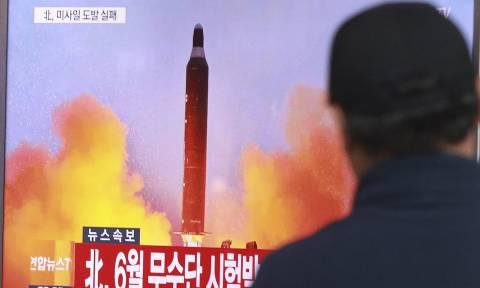 Τύμπανα Πολέμου: Η Βόρεια Κορέα εκτόξευσε βαλλιστικό πύραυλο εναντίον της Ιαπωνίας (Vid)