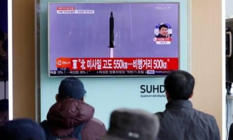 Τύμπανα Πολέμου: Συναγερμός στις ΗΠΑ για τον πύραυλο που εκτόξευσε η Βόρεια Κορέα (Vid)