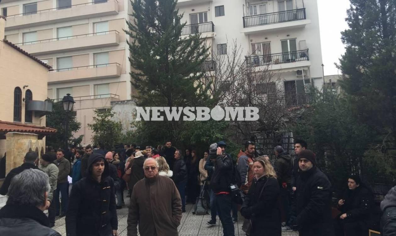 Δείτε LIVE: Το Newsbomb.gr στο μνημόσυνο του Παντελή Παντελίδη