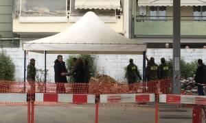 Βόμβα Κορδελιό: Από λεπτό σε λεπτό η επιχείρηση εξουδετέρωσης