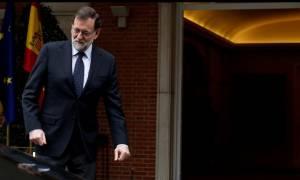 Ισπανία: Ο Ραχόι δεσμεύεται να διακόψει το δημοψήφισμα για την Καταλονία