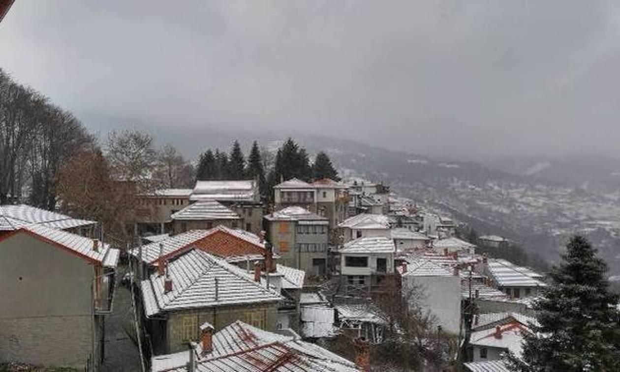 Καιρός σήμερα: Με χιόνια, χιονόνερο και χαμηλές θερμοκρασίες η Δευτέρα (pics)
