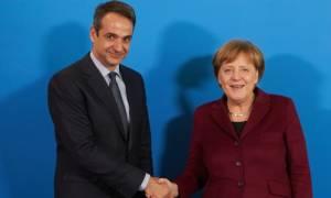 Μητσοτάκης σε Μέρκελ: Η θέση μας είναι στο ευρώ - Δεν μας αξίζει λιτότητα και αβεβαιότητα