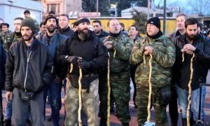 Αναχωρούν απόψε για την Αθήνα οι αγρότες από το μπλόκο των Πραιτωρίων