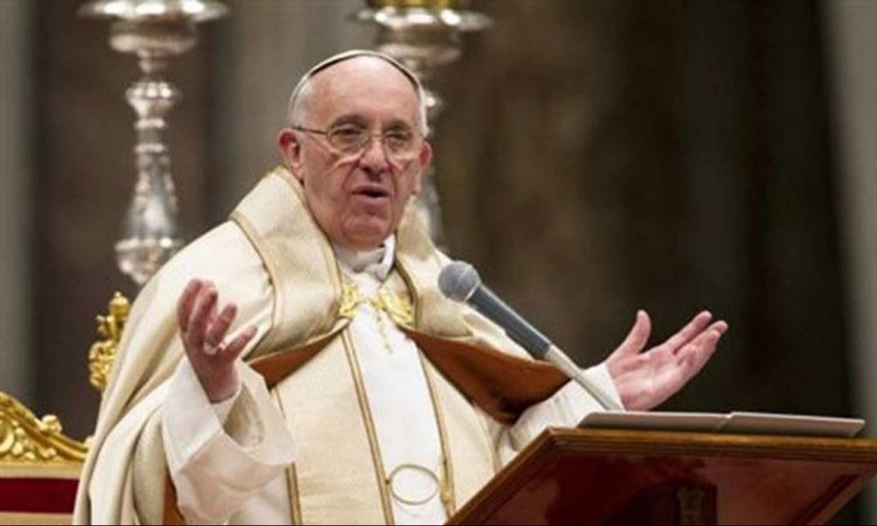Πάπας Φραγκίσκος: Ζητώ συγγνώμη για τους παιδεραστές παπάδες