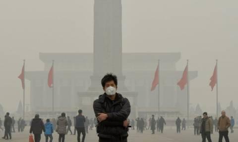 Κίνα: «Κίτρινος συναγερμός» στο Πεκίνο λόγω της αυξημένης ατμοσφαιρικής ρύπανσης