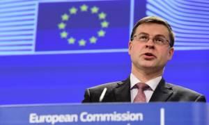 «Παράθυρο» Ντομπρόβσκις για συμφωνία σε τεχνικό επίπεδο - Δεν μπορεί να κάνει πίσω η κυβέρνηση