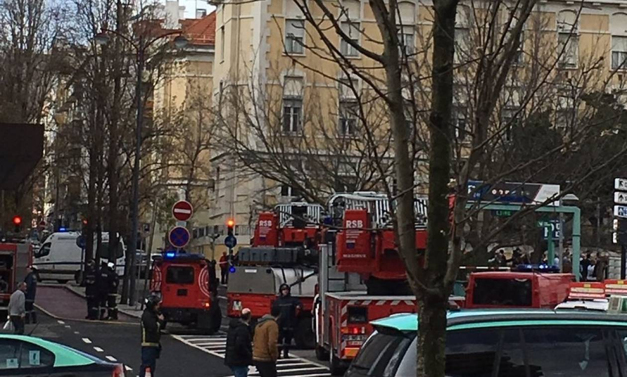 Πυρκαγιά σε ξενοδοχείο στη Λισαβόνα - Τρεις άνθρωποι με αναπνευστικά προβλήματα (pics+vid)
