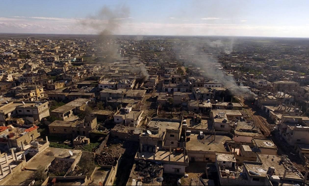 Συρία: Ρωσικά μαχητικά σφυροκοπούν τη συριακή πόλη Ντεράα μετά από τις νίκες ανταρτών