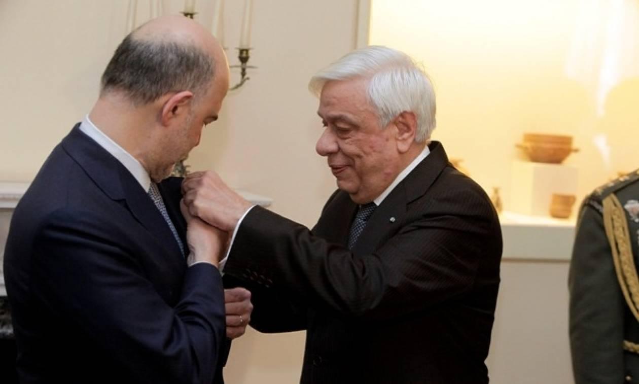 Παρασημοφόρηση Μοσκοβισί - Παυλόπουλος: Ένα Grexit διακινδυνεύει την ενότητα της Ευρωζώνης (pics)