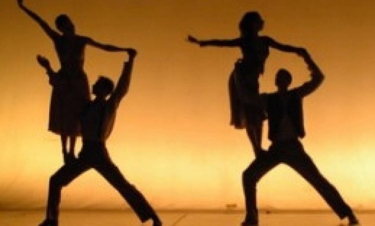Σε αυτή την παράσταση χορευτές και θεατές είναι... γυμνοί (video+photos)