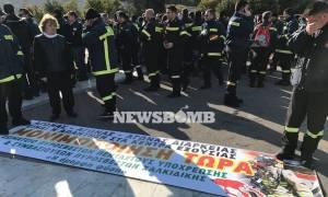 Στη Βουλή η τροπολογία για τους πυροσβέστες