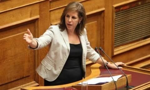 Καβγάς στη Βουλή με πρωταγωνίστρια την Χριστοφιλοπούλου (vid)