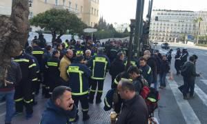 Τροπολογία – ντροπή για τους συμβασιούχους πυροσβέστες  (pics)