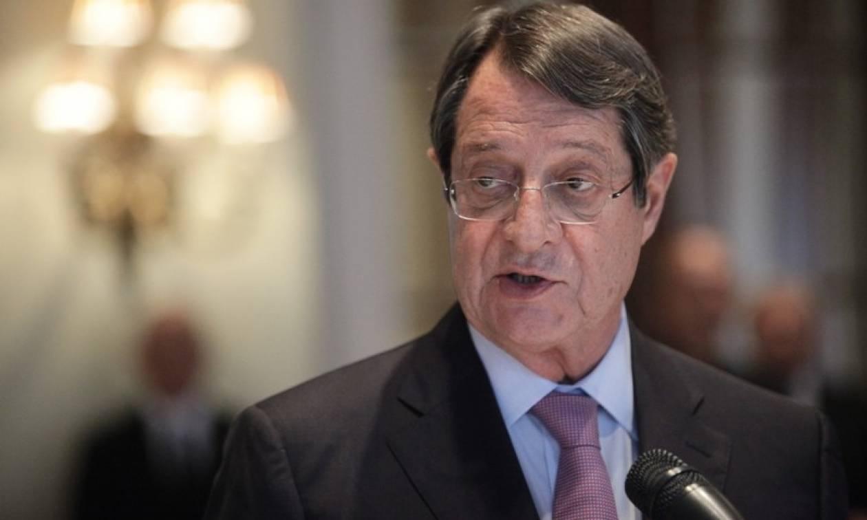 Κυπριακό: Ο Αναστασιάδης καλεί τον Ακιντζί να επιστρέψει στο τραπέζι των διαπραγματεύσεων