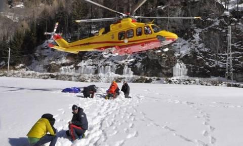 Τραγωδία στην Ιταλία με τέσσερις νεκρούς: Ορειβάτες χτυπήθηκαν από πάγο που αποκολλήθηκε (video)