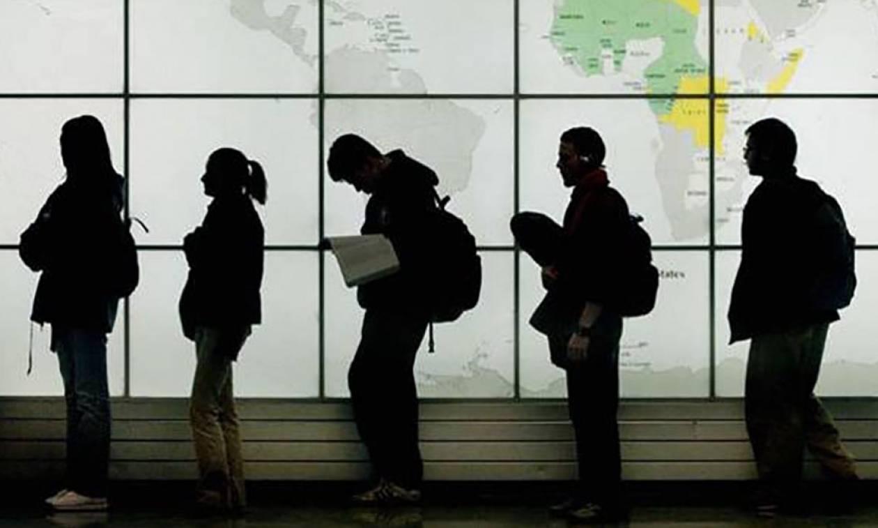 Η Ελλάδα «διώχνει» τα παιδιά της - Το 30% των εργαζομένων ψάχνει δουλειά στο εξωτερικό!