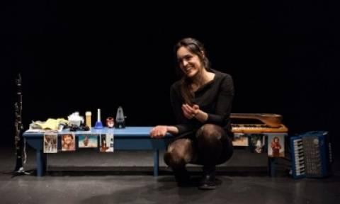 Τα Δανεικά Παπούτσια επιστρέφουν στο Θέατρο του Νέου Κόσμου
