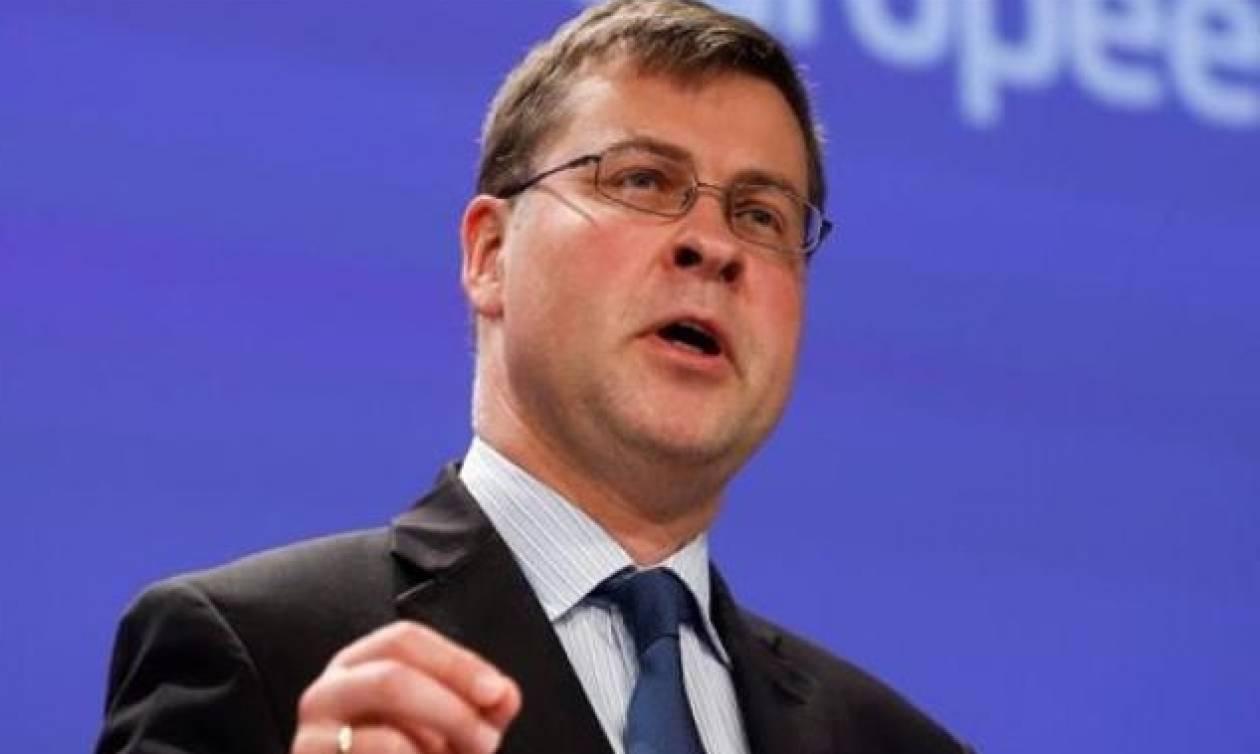 Ντομπρόφσκις: Η Κομισιόν επιμένει στα στοιχεία της για την Ελλάδα