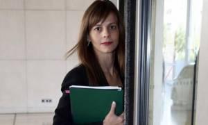 Η Αχτσιόγλου ελπίζει να την ακούσει η Λαγκάρντ μέσω... των FT για τις μειώσεις συντάξεων